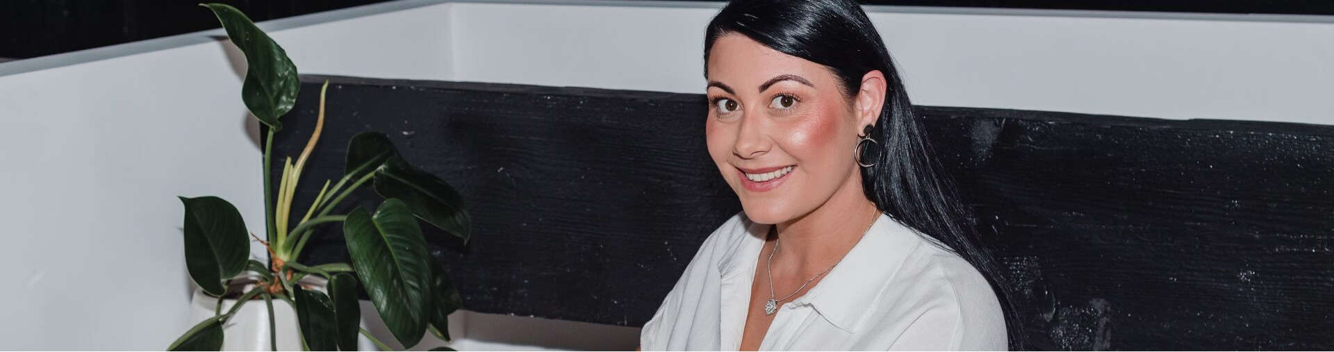 dark hair girl smiling